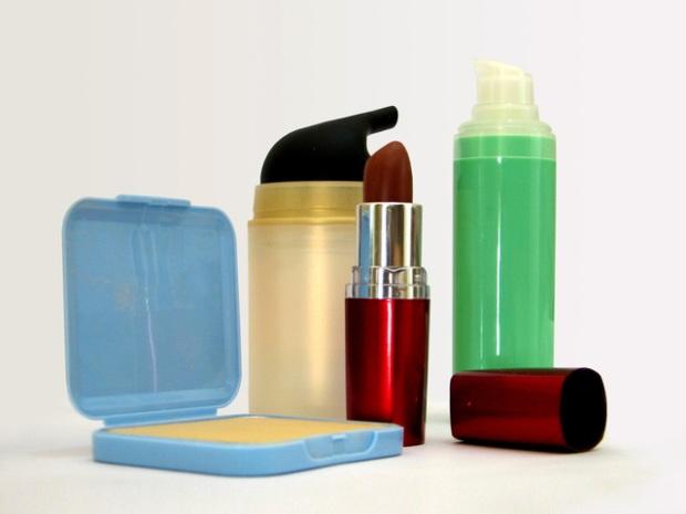 cosmetics-set-1415039-640x480